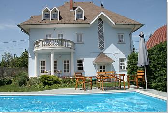siofok ferienhaus neitzer mit privat pool und klima das sch nste villa des plattensees. Black Bedroom Furniture Sets. Home Design Ideas